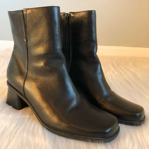 Naturalizer Black Leather Square Toe Boots, 9.5